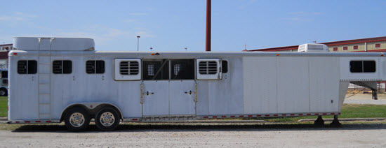 Example of a center load horse trailer