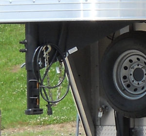 Coupler tube on gooseneck trailer