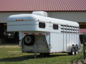 Gooseneck horse trailer types are designed for various load capacities